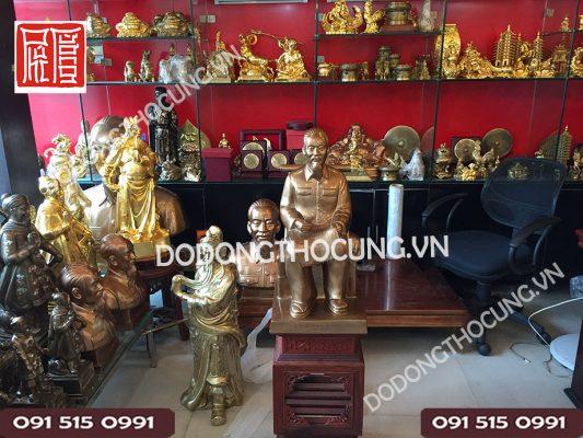 Pho Tuong Bac Ho Ngoi Doc Bao 60cm (6)