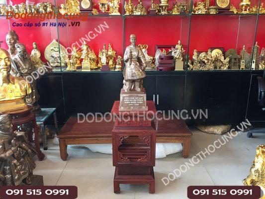 Pho Tuong Tran Hung Dao Kham Vang 50cm(8)