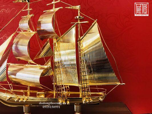 Thuyền Buồm Mạ Vàng Nhỏ Mẫu 1 (1)