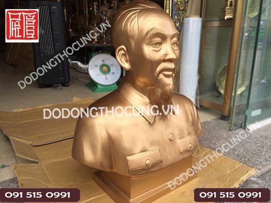 Tuong Bac Ho Bang Dong Cao 61cm (2)
