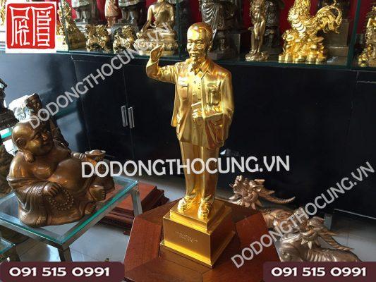 Tuong Bac Ho Dung Chao Thep Vang(3)