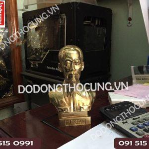Tuong Dong Bac Ho Co Nho 17cm