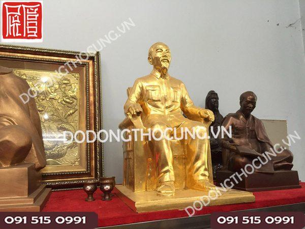 Tuong Dong Bac Ho Ngoi Ghe Dat Vang(2)