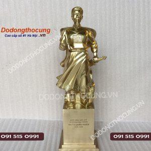 Tuong Tran Hung Dao Dong Vang 50cm
