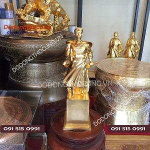 Tuong Tran Hung Dao Thiep Vang 50cm