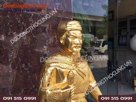 Tuong Tran Quoc Tuan Thep Vang 68cm (2)
