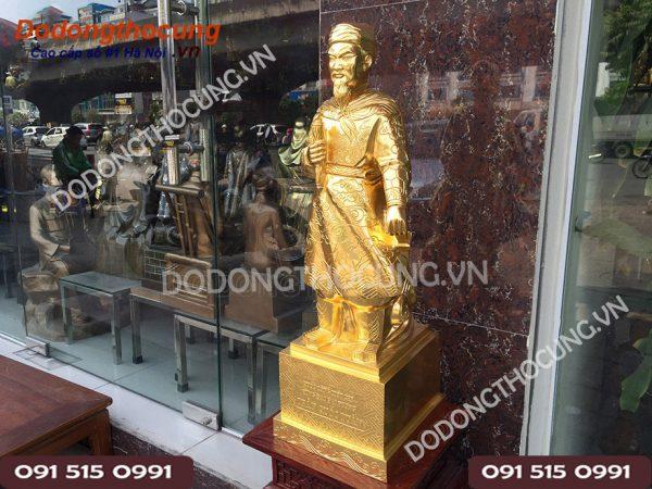 Tuong Tran Quoc Tuan Thep Vang 68cm (4)