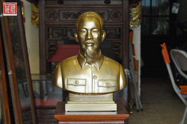 Tuong Ban Than Bac Ho (2)
